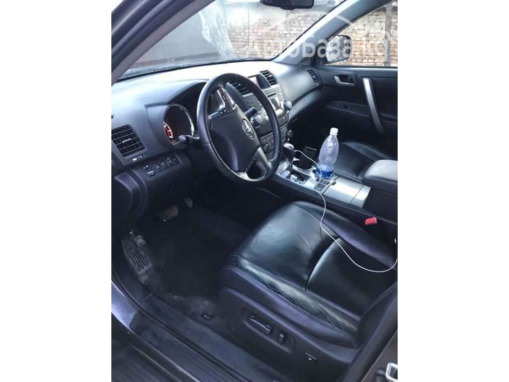 Toyota Highlander 2010 года за ~1 629 700 сом