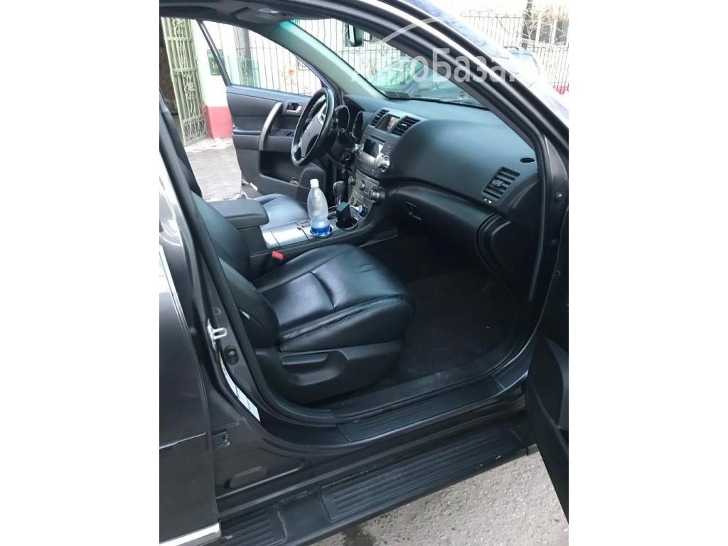 Toyota Highlander 2010 года за ~1 617 700 сом