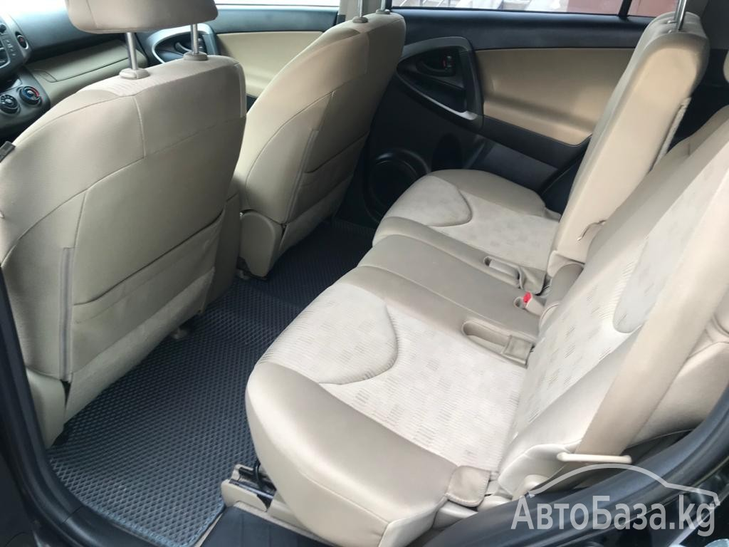 Toyota RAV4 2010 года за ~932 300 сом