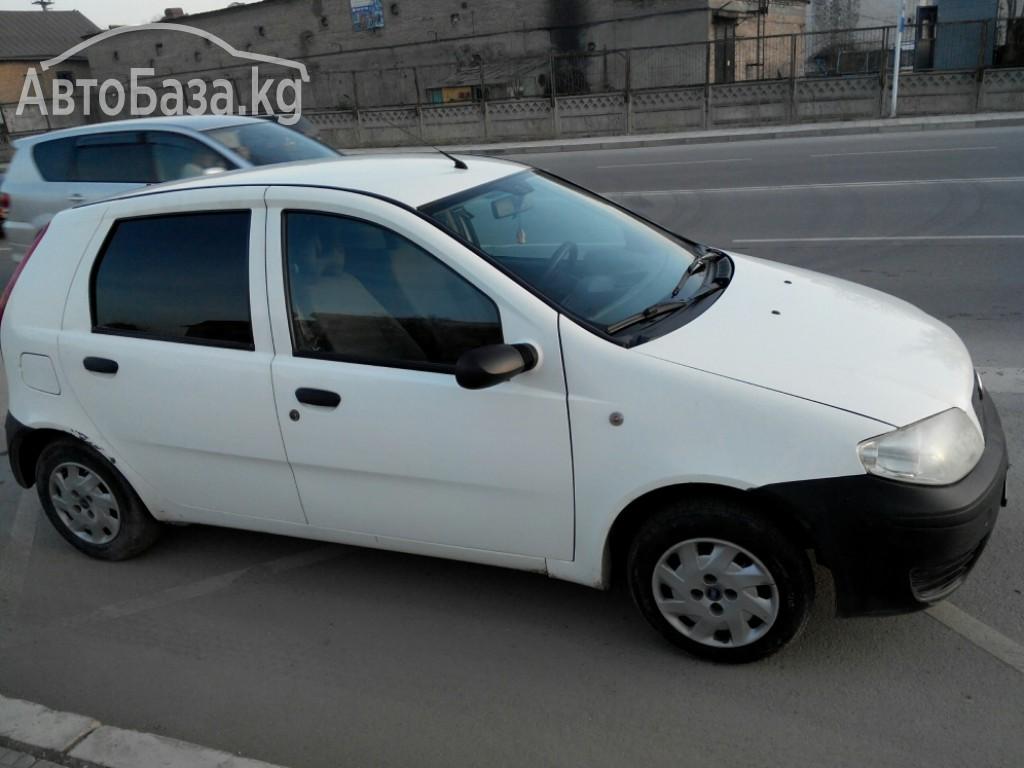 Fiat Punto 2004 года за ~254 200 сом